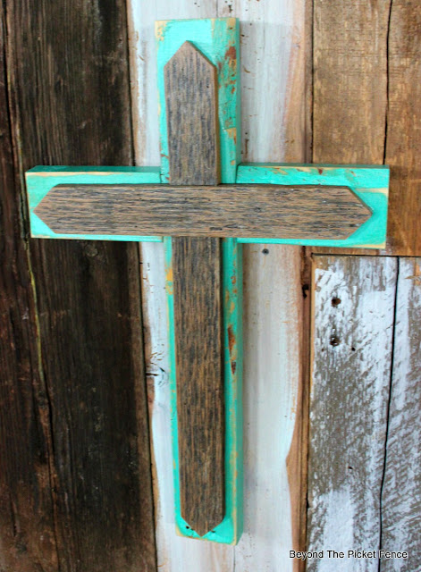 rustic cross, reclaimed wood, salvaged, Easter decor, rugged cross, http://bec4-beyondthepicketfence.blogspot.com/2016/02/more-rustic-crosses-and-finding-waldo.html