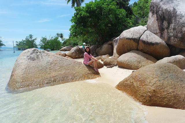 pantai batu kalang indah pesisir selatan