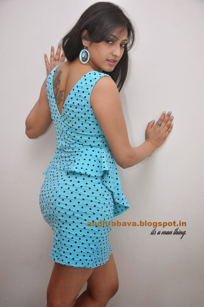 Actress Hot Images Hari Priya Spicy Thighs-1089