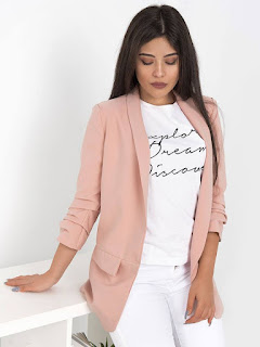 https://www.sense-shop.gr/shop/nees-afikseis/kristia-pink-blazer/