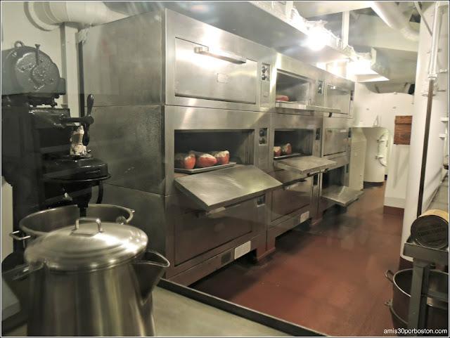 Cocina Principal de USS Massachusetts
