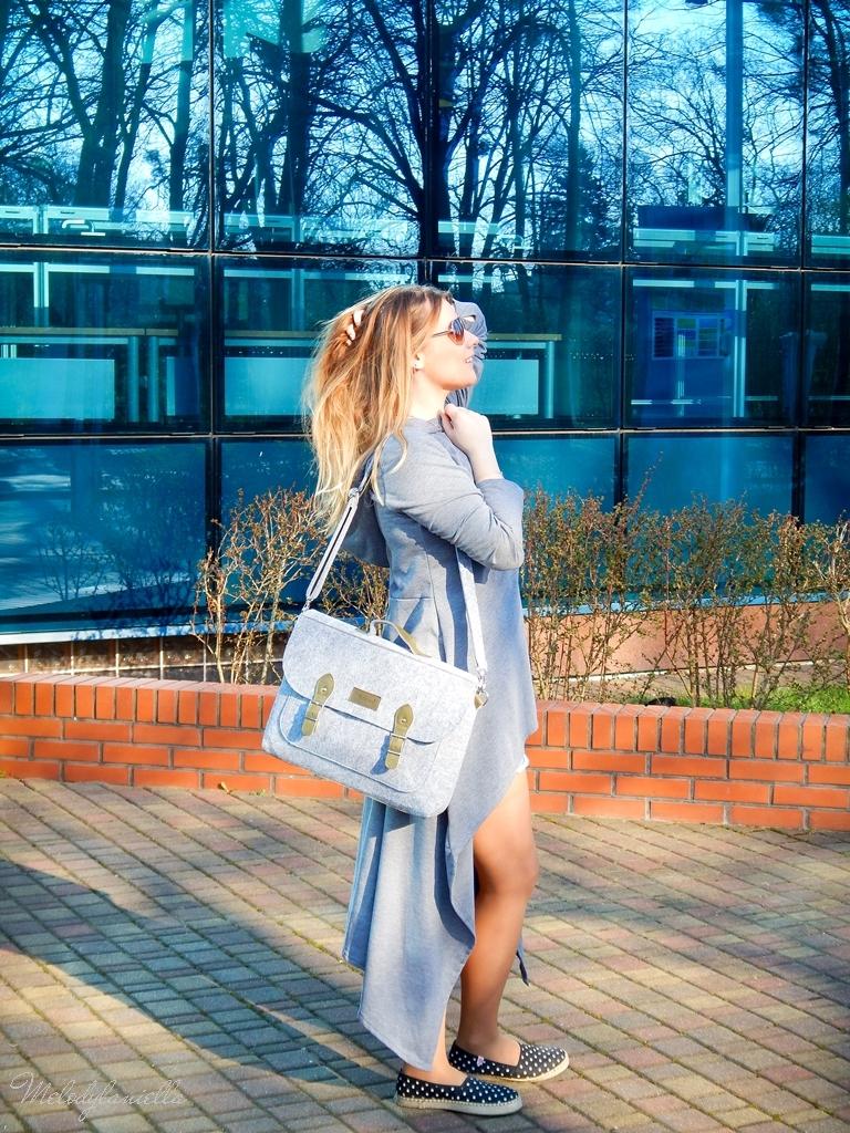 13 sukienka asymetryczna szara z kapturem sammydress maxi dresowa sukienka filcowa duża listonoszka A4 manzana espadryle w groszki renee melodylaniella ootd wiosenna stylizacja