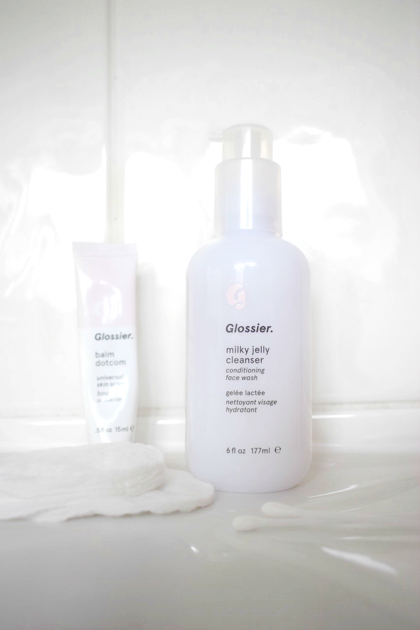 Glossier UK Milky Jelly Cleanser Review Beauty Blogger Natasha Kendall Close Up Bottle 2 UK STOCKIST