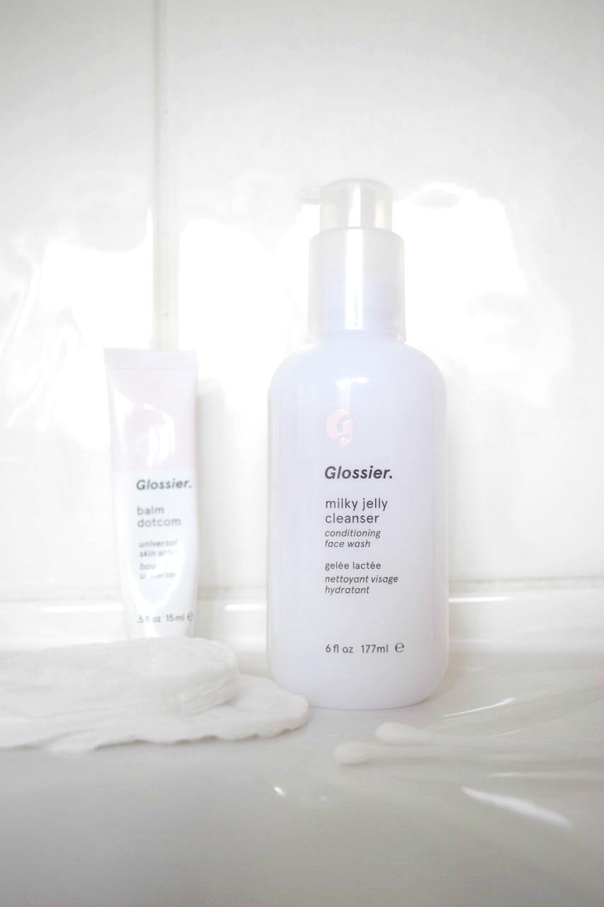 Glossier UK Milky Jelly Cleanser Review Beauty Blogger Natasha Kendall Close Up Bottle 2 UK STOCKIST
