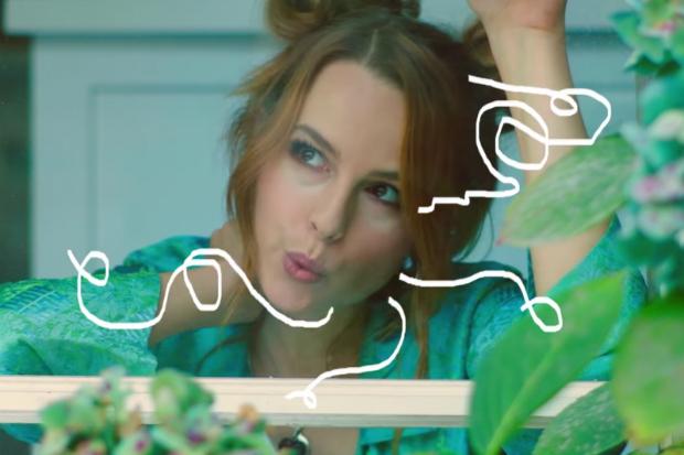 """Bridgit Mendler estrena el video de """"Do You Miss Me At All"""""""