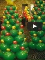 http://manualidadesreciclajes.blogspot.com.es/2016/12/arbol-de-navidad-con-globos.html