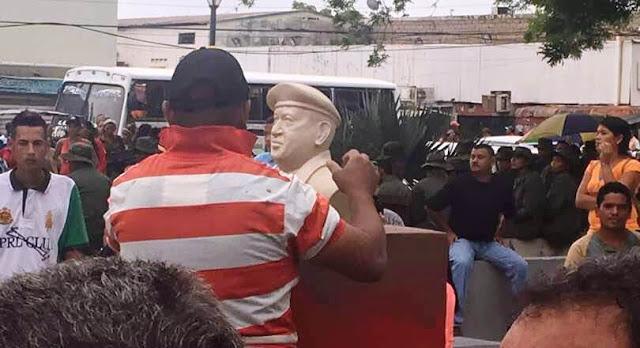 secretario-de-gobierno-senala-que-pj-y-vp-pagaron-para-tumbar-estatua-de-chavez