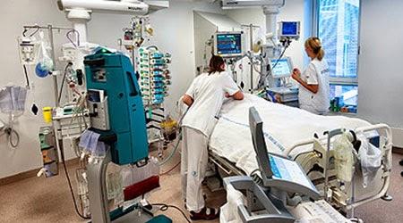 Enhancing teamwork on critical care units