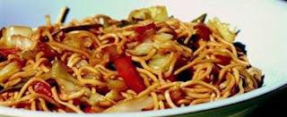 Fried Noodles with Vegetables (Sebzeli Cin Eristesi)
