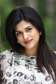 Shraddha das hot photos