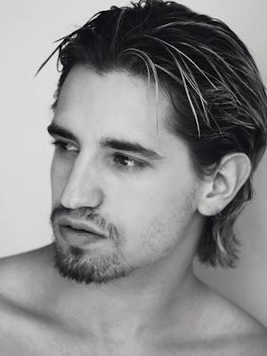 Loving naked men: Paco Leon Naked on Twitter
