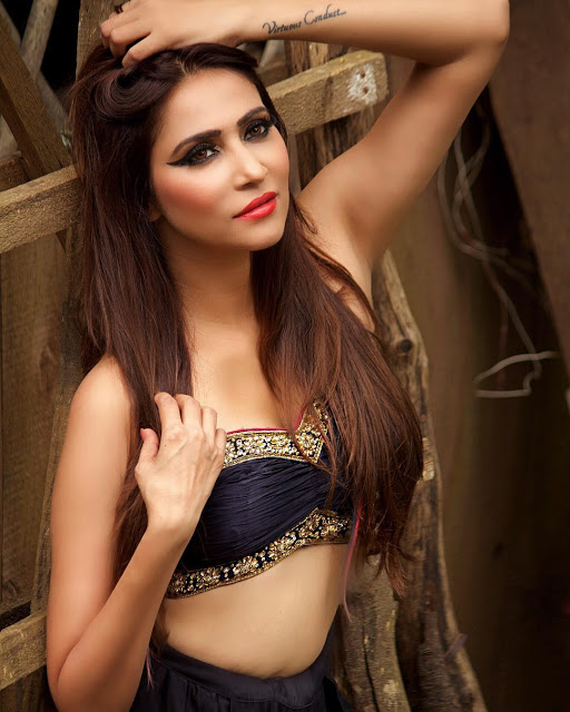 TV Actress Rishina Kandhari Latest Bikini Photos