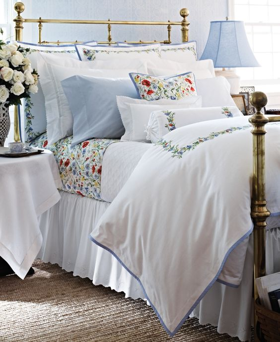 Blue And White Cottage Style Bedroom: Hydrangea Hill Cottage: Red, White And Blue Cottage Bedrooms
