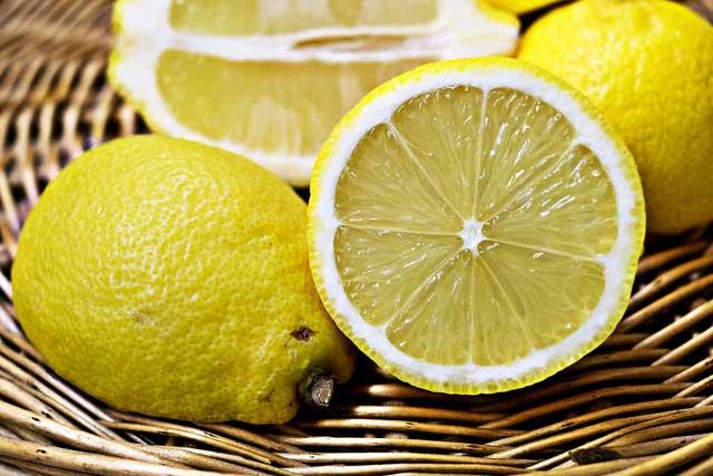 Ada banyak manfaat lemon kepada kulit wajah yang sanggup Anda rasakan kepada menunjang penampi 12 Manfaat lemon kepada wajah dan kecantikan kulit
