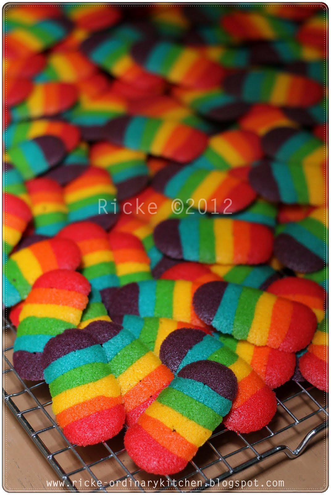 Kue Lidah Kucing Rainbow : lidah, kucing, rainbow, RAINBOW, CAT'S, TONGUE, COOKIES, A.k.a, LIDAH, KUCING, PELANGI, Aneka, Resep, Masak