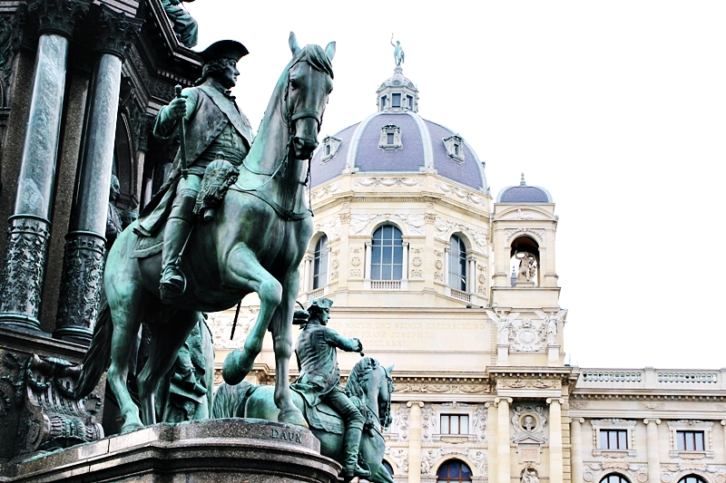 Maria Theresien Platz Vienna city tour