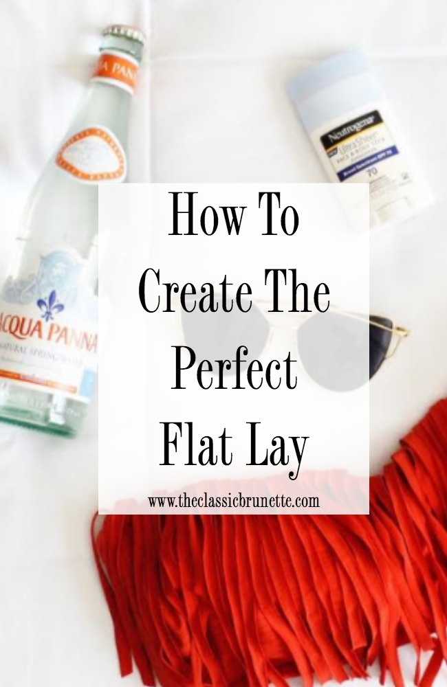 How to create the perfect flat lay on Instagram. What are the different styles of flat lays and how can I create them? This post shows you how to take incredible flat lays in just a few simple steps!