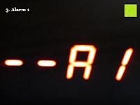 Alarm 1: kwmobile Wecker Digital Uhr aus Holz mit Geräuschaktivierung, Temperaturanzeige und Tastaktivierung