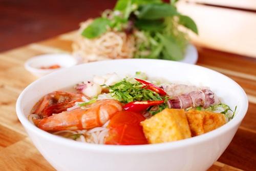 Món canh chua hải sản