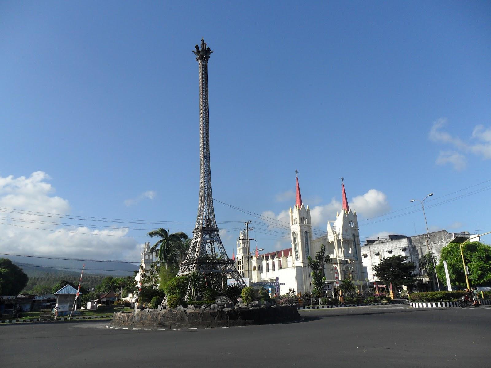 EDDIE DANDEL: Menara Eiffel di Kota Bitung Prov. Sulawesi