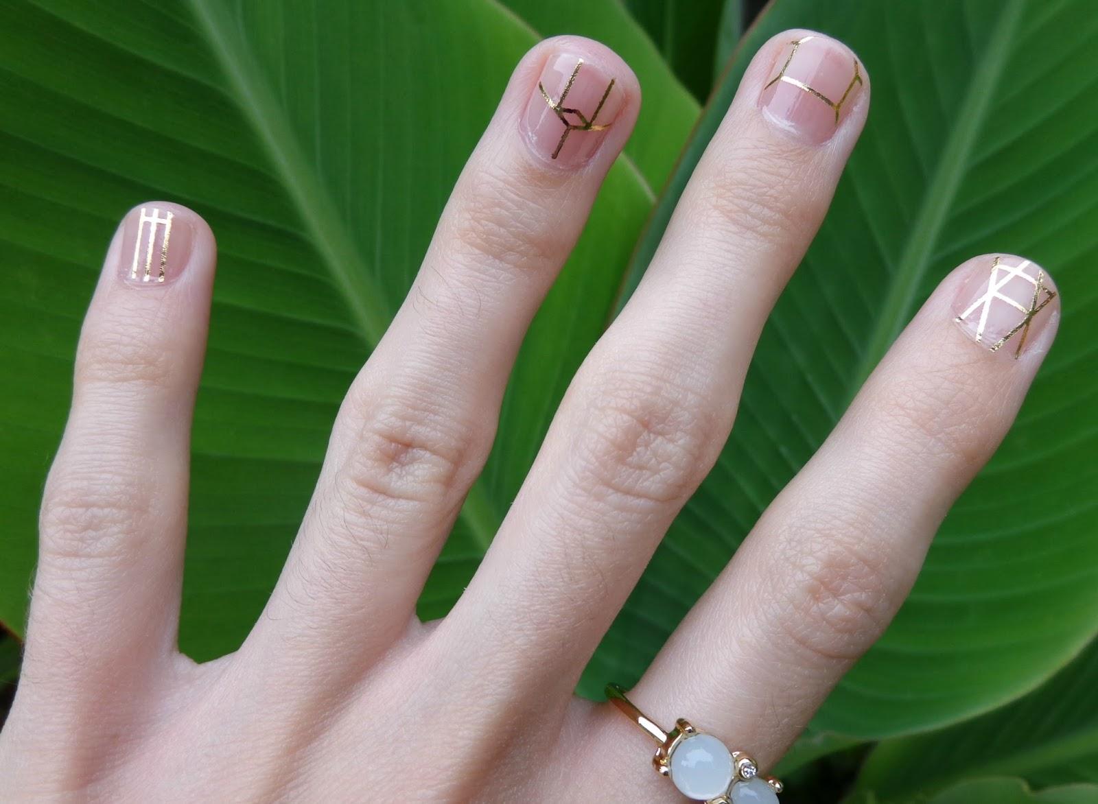 Simple Minimalist Geometric Nail Art