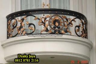 railing tangga besi tempa minimalis, railing tangga besi tempa klasik, harga tangga putar tempa, harga railing tangga tempa, balkon tempa mewah,