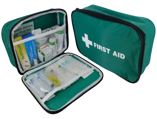 What to Pack in Travelers Medical Kit