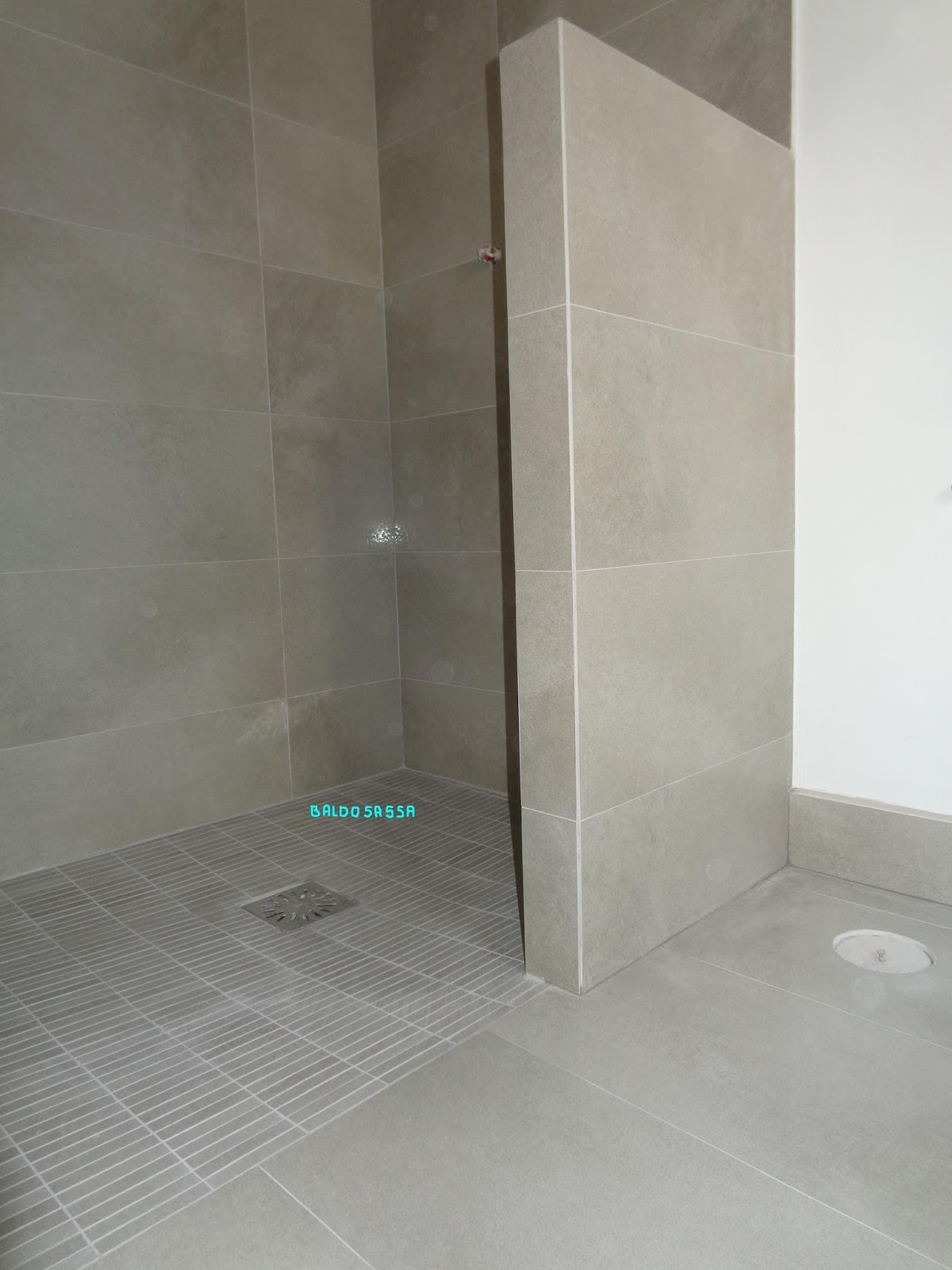Baldosassa fotos e imagenes de platos de ducha - Plato ducha suelo ...