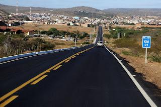 Em ano de Eleições: Governador entrega rodovia e inaugura Companhia do 9º Batalhão da PM em Picuí