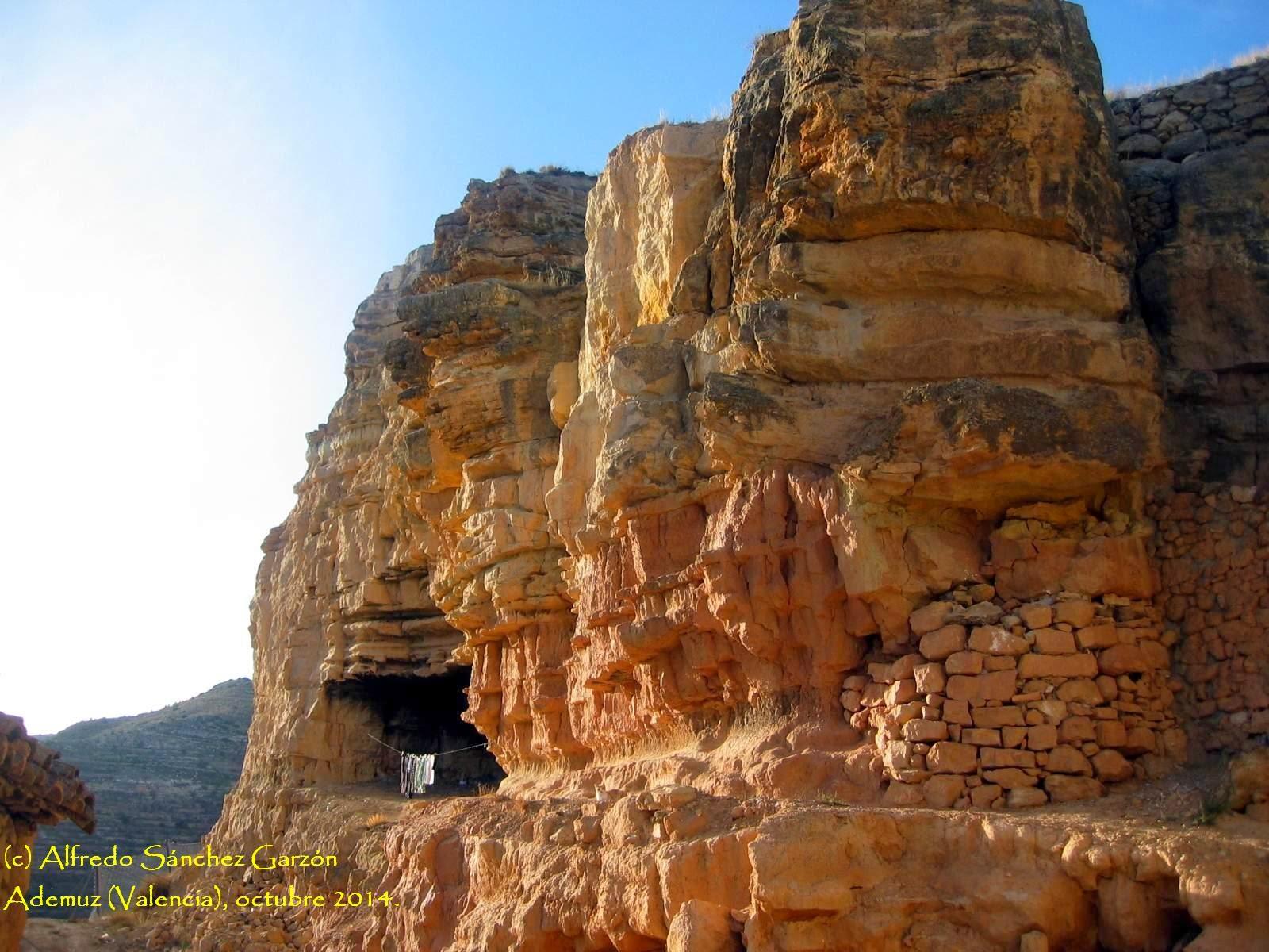 ademuz-cueva-castillo-murallas
