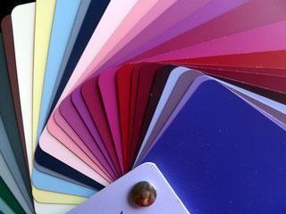 https://farbenreich.wordpress.com/category/allerlei-zur-farbe/farbberatung-stilberatung-tipps-und-trends/farbtyp-sommerwinter/