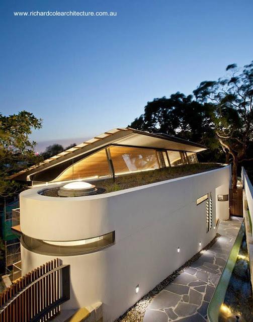 Residencia australiana contemporánea con forma y techos originales
