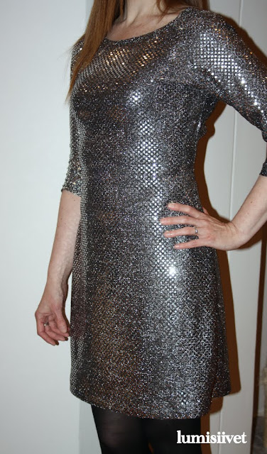 kimaltava mekko
