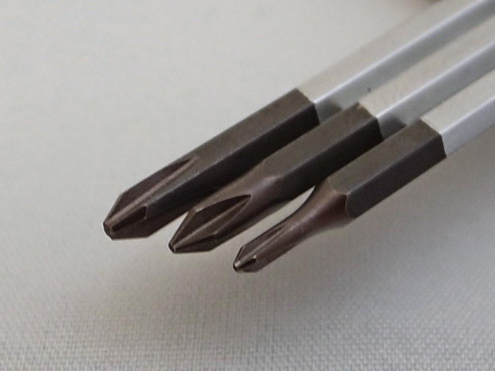 付属の差替えビット3本プラス部 53CPH 00-120, 53CPH 0-120, 53CPH 1-120 刻印のサイズと方向、角度が違う