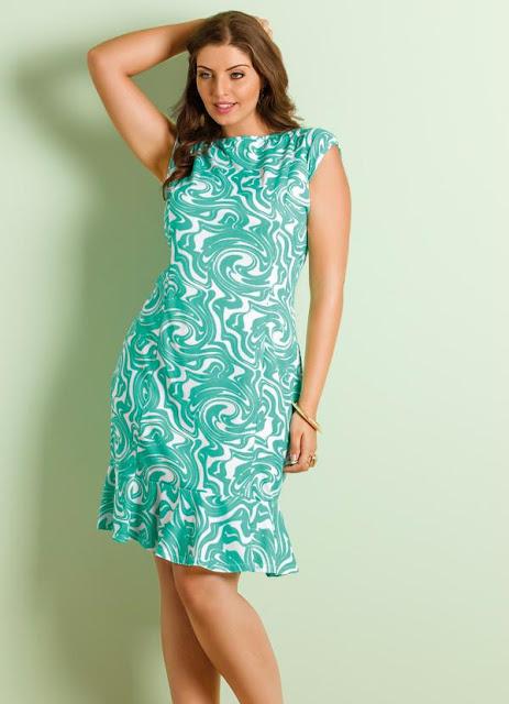 vestido plus size estampa verde