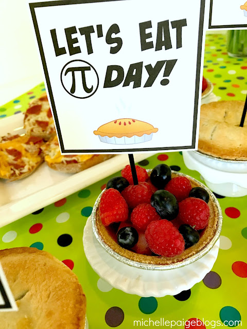 Fruit pies for Pi Day @michellepaigeblogs.com