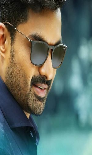 Actor Nandamuri Kalyan Ram Age, Height, Caste, Wiki, Biography, Wife, Family, Movies List and Career