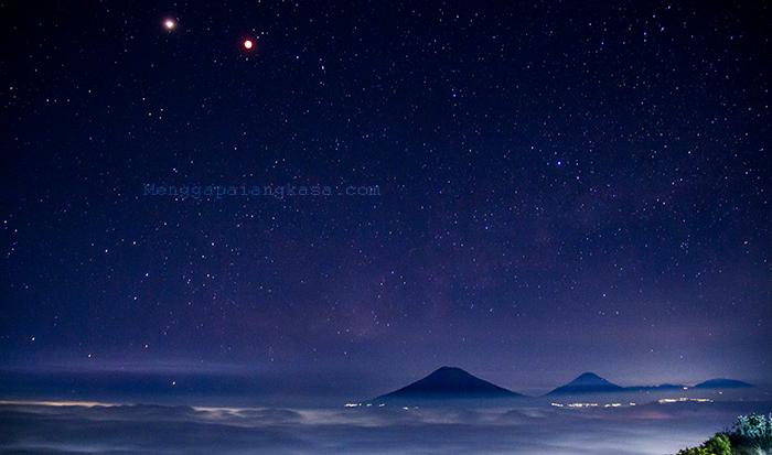 Gerhana Bulan Total 2018 di Gunung Andong, Magelang