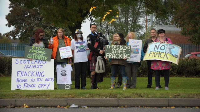 Protesta antifracking en Escocia con llegada de gas de esquisto