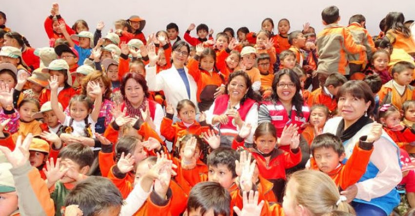 QALI WARMA: Viceministra de prestaciones sociales del MIDIS constató la calidad de servicio alimentario del programa social en colegio cuzqueño - www.qaliwarma.gob.pe