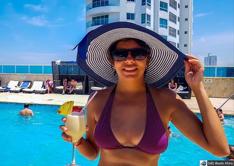 Curtindo a piscina do Hotel Cartagena Plaza - Diário de bordo: 4 dias em Cartagena, Colômbia