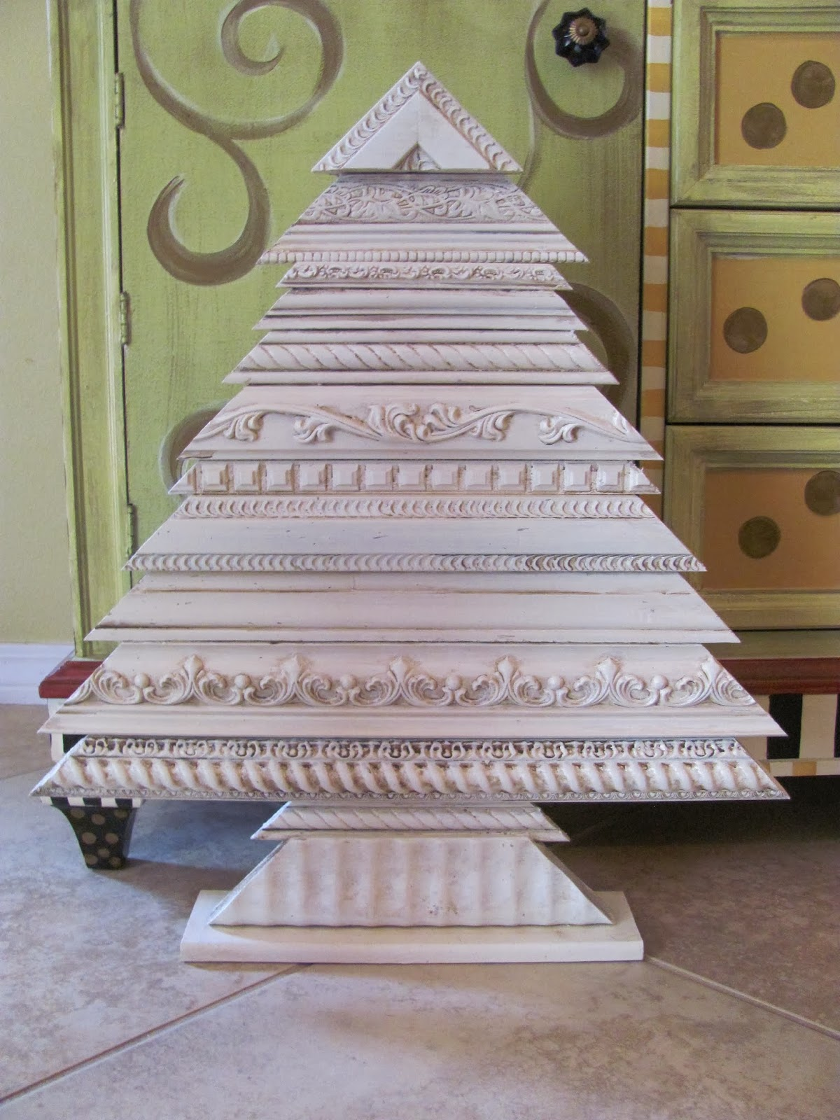 hand made picture molding tree