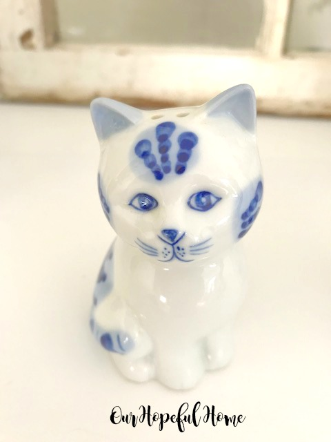 blue white painted porcelain shaker