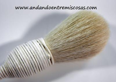 Yachiyo de pelo cabra blanca, Burlesque