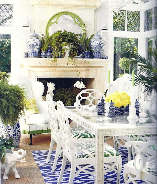 blue and white dining room with ginger jars