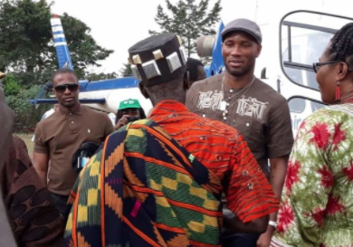 Photos/Video: Didier Drogba dances with Ivorians as they show gratitude for the school he built for their community