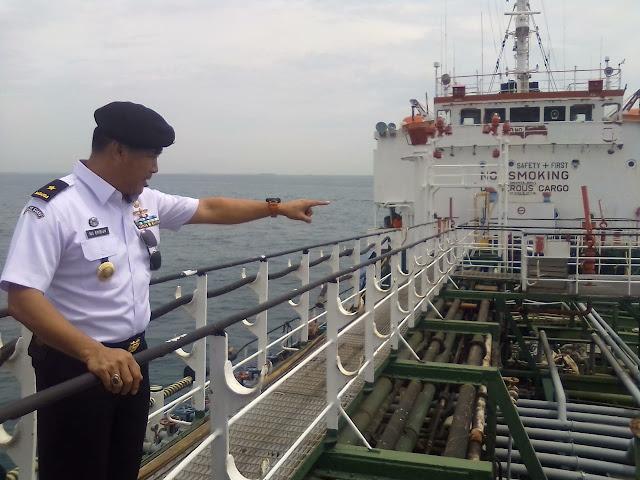 Lagi, Patroli Laut Bakamla Tangkap Kapal Diduga Transfer BBM Ilegal