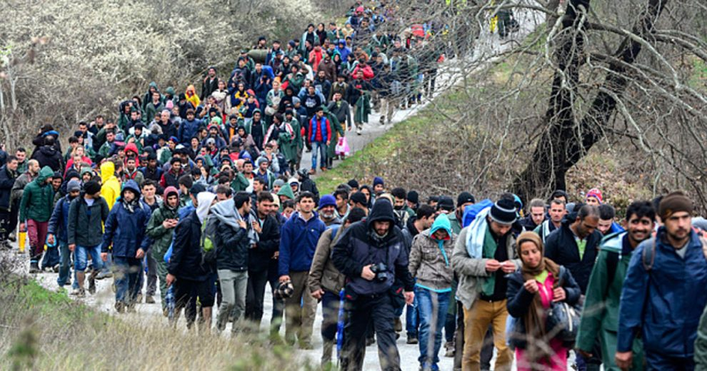 Ετοιμάζει 250.000 νέους ψηφοφόρους ο ΣΥΡΙΖΑ: Μαζικές ελληνοποιήσεις αλλοδαπών για να προλάβουν να ψηφίσουν