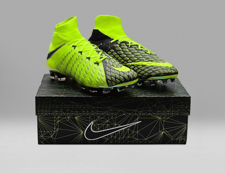 Fifa Sports Ea Hypervenom Nike Footy Des Sortie 18 Chaussures wFYFPS