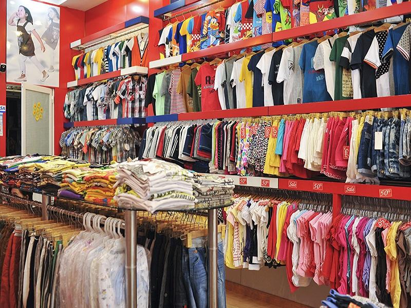 Cửa hàng kinh doanh quần áo trẻ em